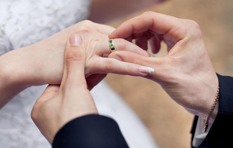 Jenis Cincin Emas yang Cocok untuk Pernikahan Anda